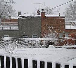 zateplený a nezateplený rodinný dům